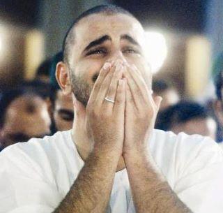 Berdoa pemuda