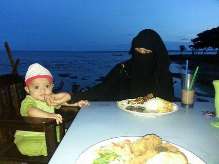 Anak dan ibu tjadar
