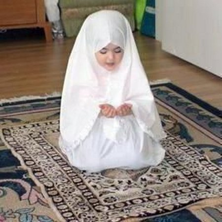 Anak berdoa 7