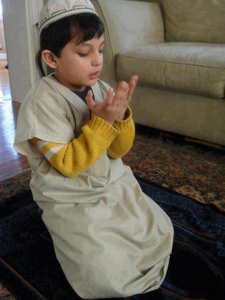 Anak berdoa 9