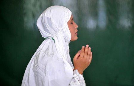 Berdoa putih