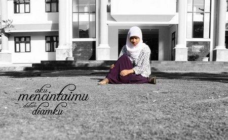 Cinta dalam diam jilbab putih