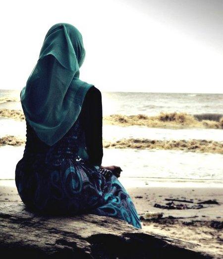 Muslimah menunggu