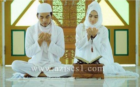 Pasangan berdoa