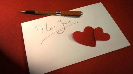 Surat dan pulpen
