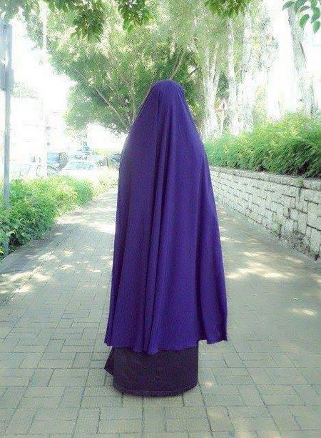 Hijab ungu syari