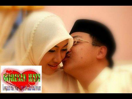 Pasangan suami istri mesra