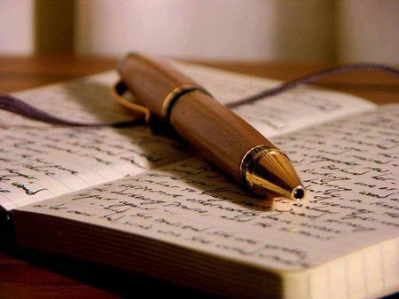 Buku dan pulpen