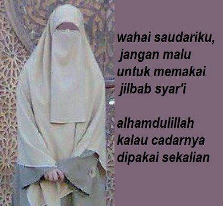 Jilbab janagn malu memakai nya