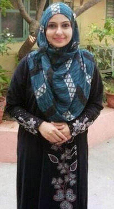 Monica-hijab-gamis