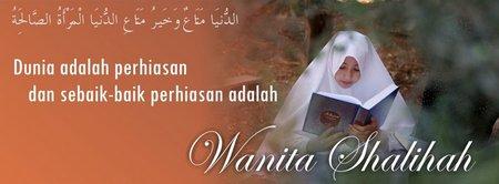 Wanita sholehah baca quran