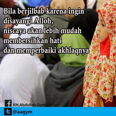 Jilbab karena ingin disayang allah