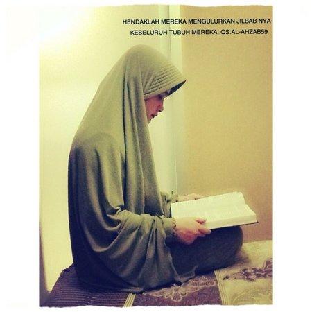 Jilbab syar'i hadist
