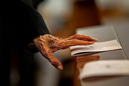 Tangan Tua