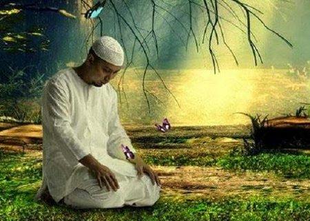 KH Arifin Ilham - duduk tasyahud