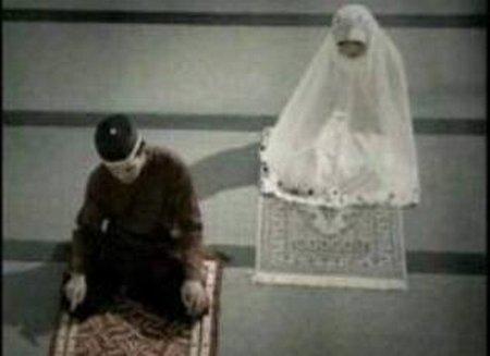 suami istri sholat berdua