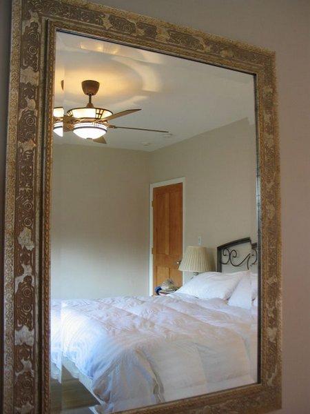 Cermin kamar